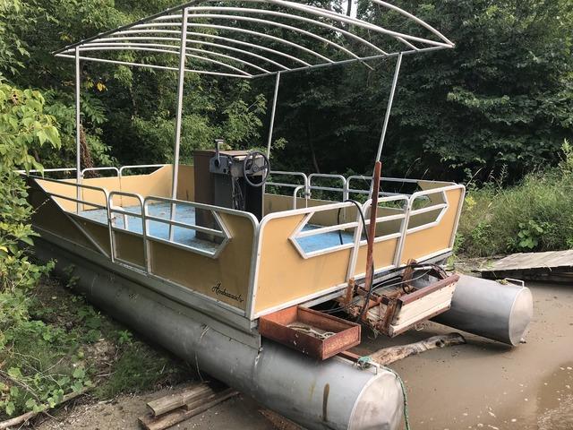 24ft weeres 1970 pontoon boat for sale in Battle Lake, Otter